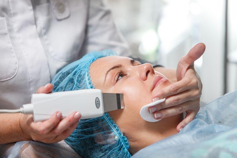 ultrazvuk-piling2-klinika-cosmetology-vita1_900_700_jpg